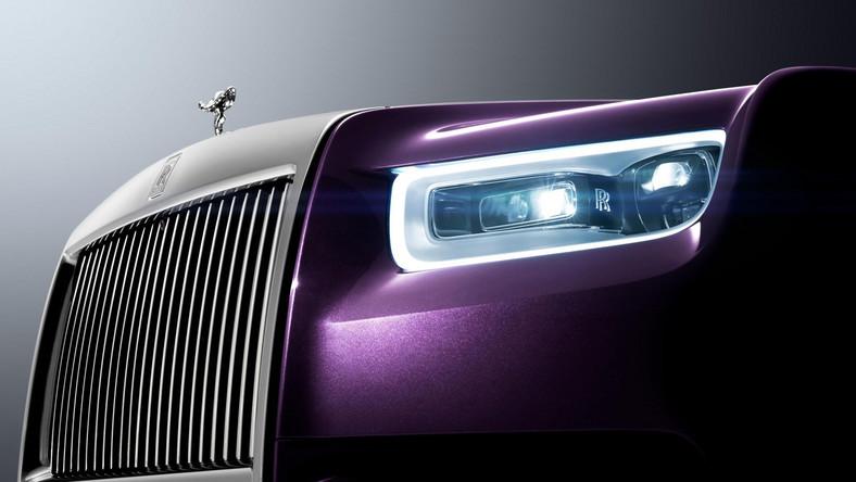 Nowy Phantom ma być najbardziej zaawansowanym technologicznie Rolls-Roycem w historii. Powstał w znacznej części z aluminium. Inżynierowie twierdzą, że konstrukcja auta jest lżejsza, sztywniejsza i cichsza. Ponoć jazda tym autem przypomina podróż latającym dywanem…