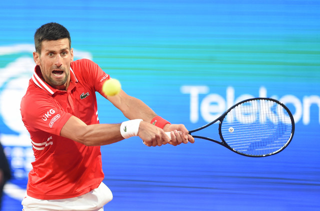 Novak Đoković na meču protiv Aslana Karaceva na Serbian openu