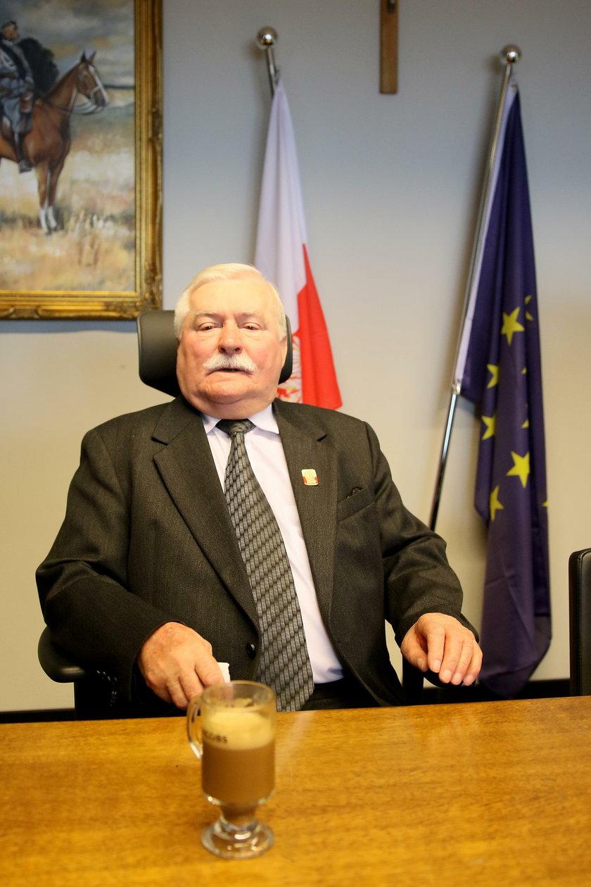 Lech Wałęsa do Kaczyńskiego w rocznicę stanu wojennego: wyspałeś się?
