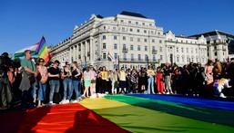La Hongrie adopte une loi pour interdire la promotion de l'homosexualité auprès des mineurs