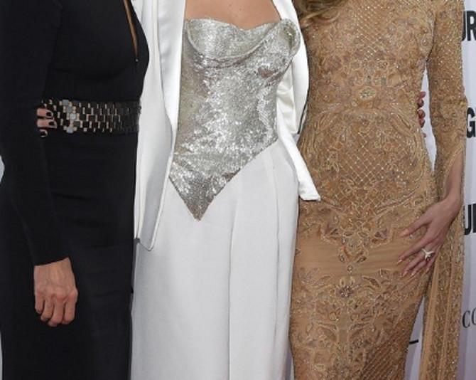 Jolanda Foster sa ćerkama Belom i Điđi Hadid