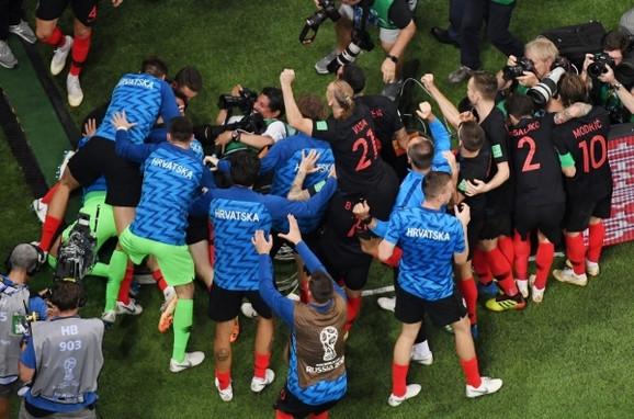 Slavlje Hrvata posle plasmana u finale Mundijala