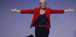 Le Pen zaatakowana na wiecu. FILM