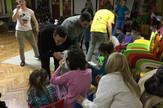 Studenti Ekonomskog fakulteta podelili su novogodišnje paketiće deci iz Zvečanske