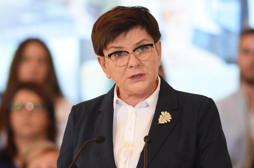 Konferencja Beaty Szydło i Elżbiety Rafalskiej o emeryturach