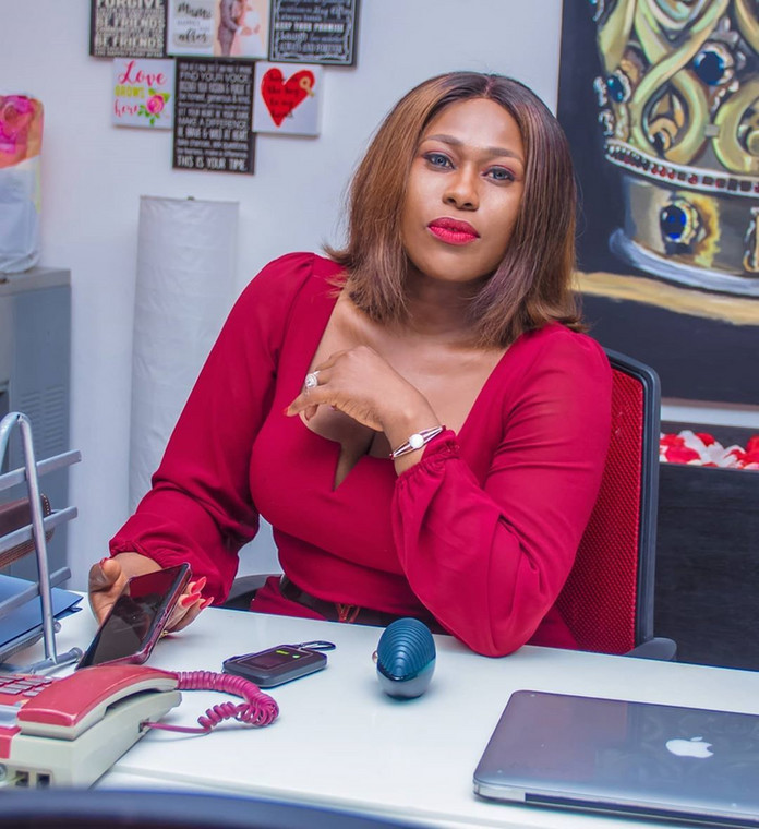 The Federal University of Technology Minna, trained Computer scientist hit fame in Nollywood when she starred in the movie 'Visa to Hell.' [Instagram/UcheJombo]
