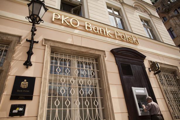 Oddział banku PKO BP we Wrocławiu. 14.06.2013