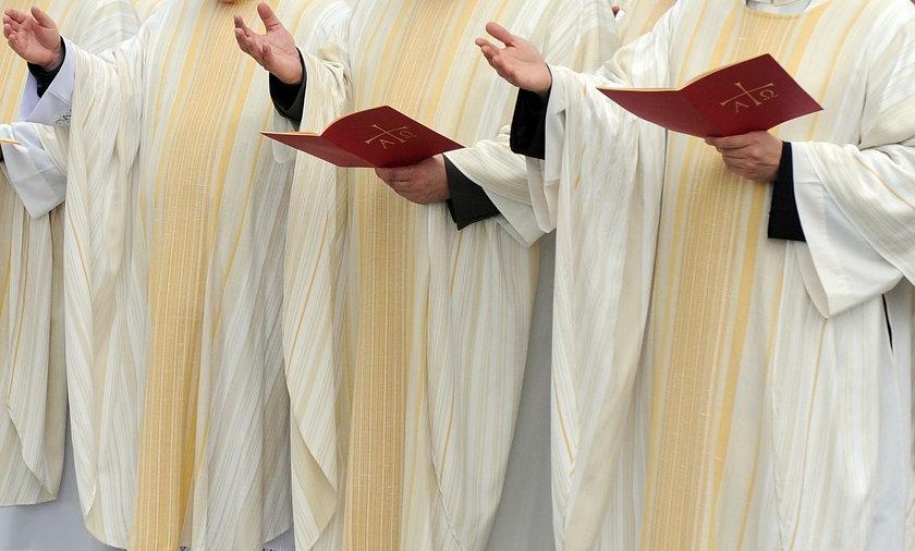 Jan Paweł II zostal świętym.