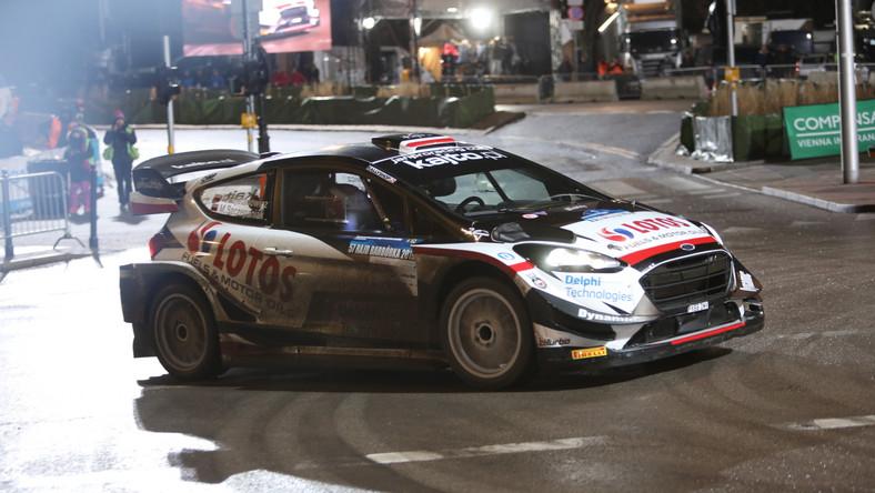 Zwycięska załoga Kajetan Kajetanowicz i Maciej Szczepaniak jadąca samochodem Ford Fiesta WRC na trasie Kryterium Asów na ulicy Karowej, rozgrywanego po zakończeniu 57. Rajdu Barbórka, w Warszawie