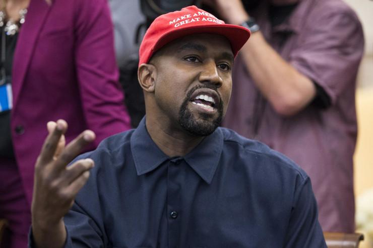 Kanye West Donald Tramp epa michael reynolds washington Di019571555 preview