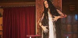 Nazywają ją Roszpunką. Od 14 lat nie obcinała włosów, przestała je też myć