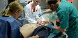 """Lekarze w """"M jak miłość"""" walczą o życie Janka. Czeka go dramatyczna operacja"""