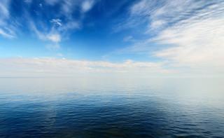 Koronawirus przestraszył turystów. Polskie morze znowu w cenie