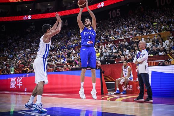 Danilo Galinari protiv Filipinaca