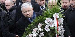 Kaczyński złożył kwiaty przed Pałacem