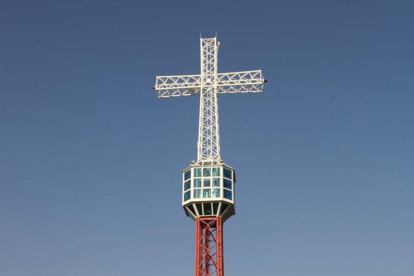 Krzyż jak wieża Eiffla