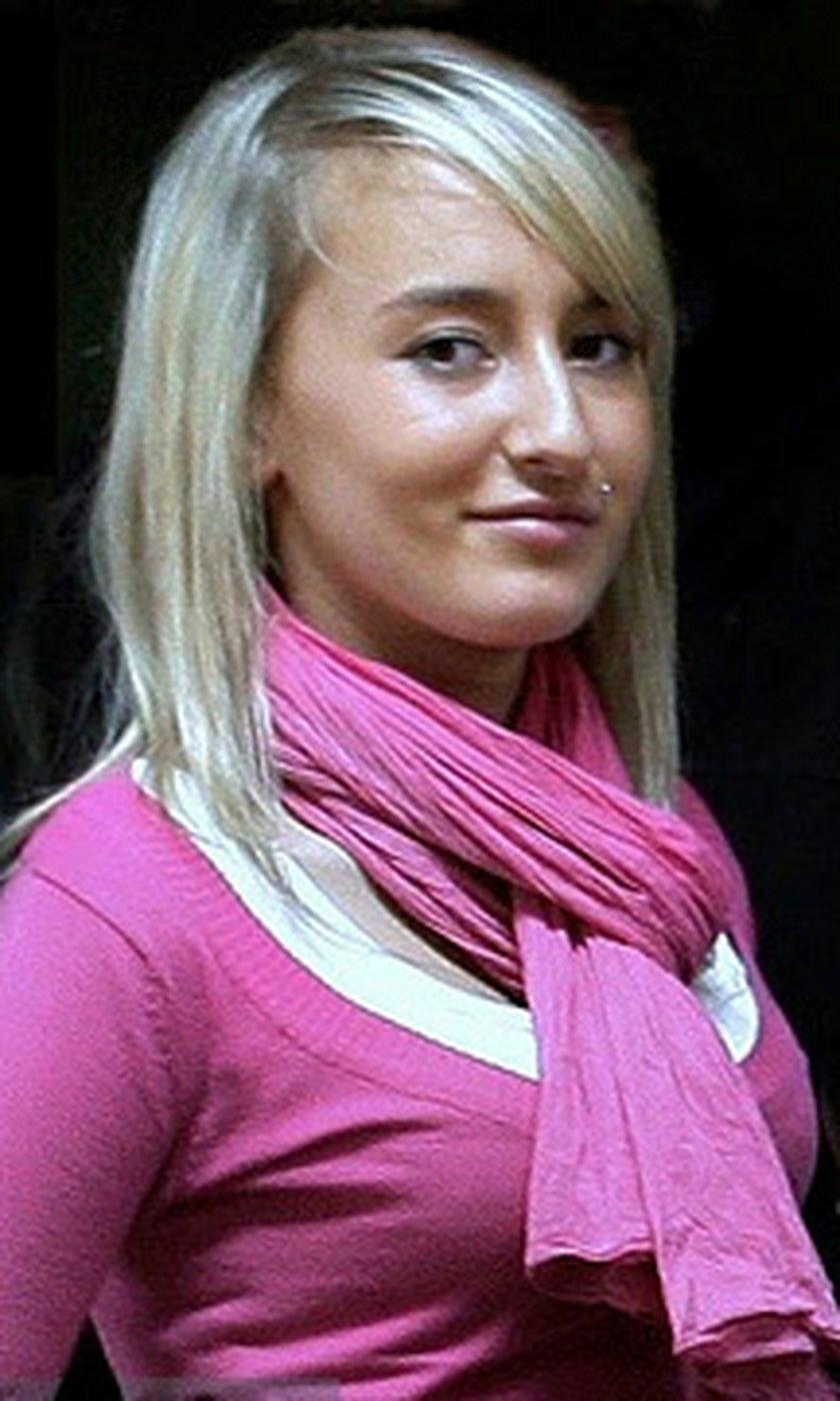 Iwona Wieczorek w różowej bluzce