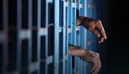 """Wymusił dwa złote """"na piwo"""", grozi mu do 15 lat więzienia"""