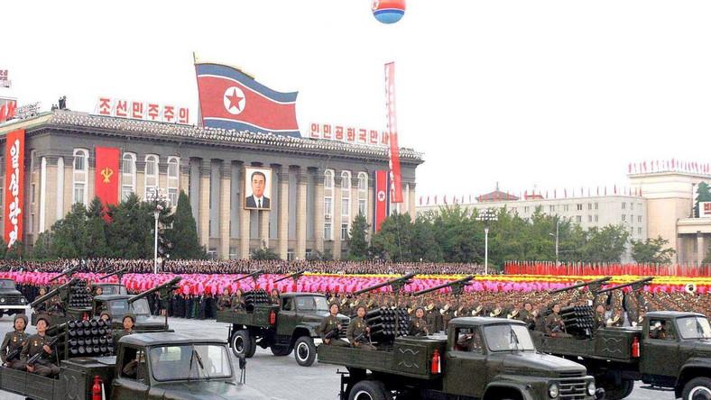 Kim Dzong Il okłamał świat. Buduje reaktor jądrowy