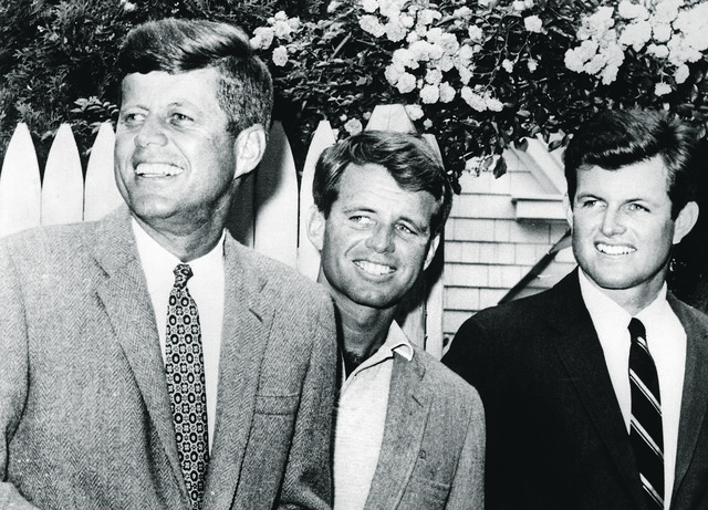 Edvard (Ted) Kenedi i njegova braća, Džon F. Kenedi i Robert F. Kenedi