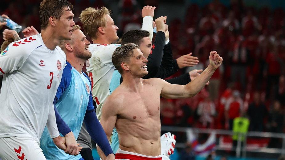 Duńczycy świętują po meczu z Rosją