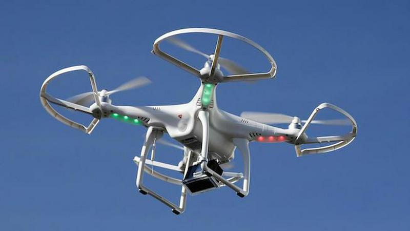 Dron zderzył się z komercyjnym samolotem