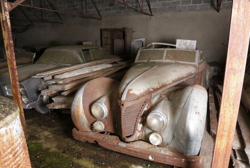W stodole odnaleziono samochody warte 53 mln zł