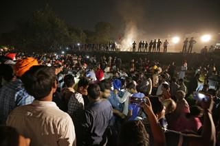 Katastrofa kolejowa w Indiach: 50 zabitych i ponad 200 rannych
