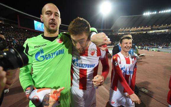 Milan Borjan i Milan Pavkov proslavljaju pobedu nad Liverpulom