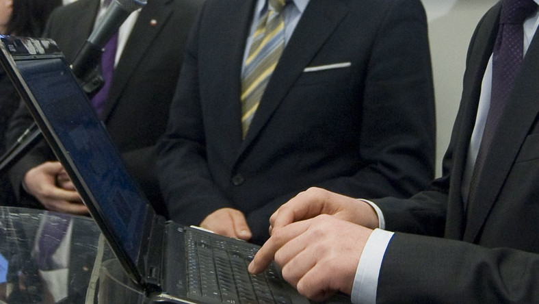 Zapytali kandydatów o gadżety i internet