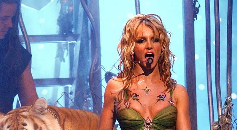 'Tiger King' Star Doc Antle And Britney Spears Were On Stage At The 2001 VMAs Together