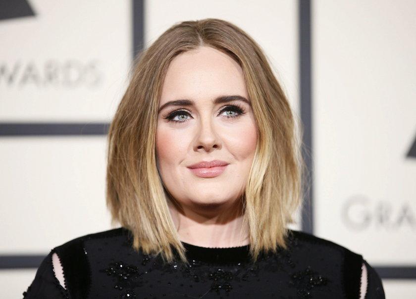 """""""Rozważałam wystąpienie z playbacku, tylko po to, by być stanąć przed wami"""" -mówi Adele"""