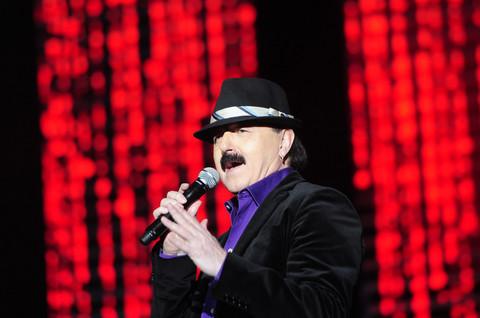 Haris Džinović je održao koncert u prepunom Sava centru, a tek da vidite kako je obučena došla Melina!