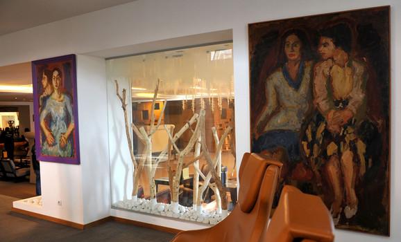 U hotelskoj galeriji su dela brojnih slikara