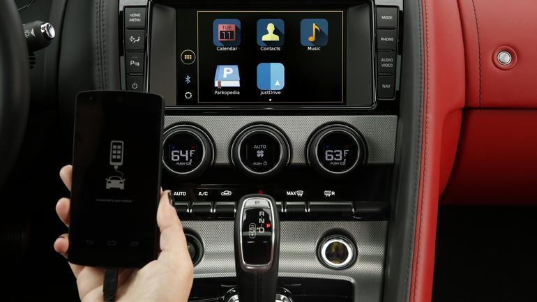 Jaguar i LandRover: nowy system multimedialny