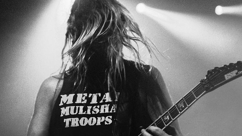 – Członkowie Slayera z przykrością zawiadamiają, że ich kolega i brat (...) zmarł dziś rano około godziny 11 – napisali muzycy z amerykańskiej supergrupy na Facebooku w nocy z czwartku na piątek. Hanneman pozostawił żonę Kathy, siostrę Kathy oraz braci Michaela i Larry'ego