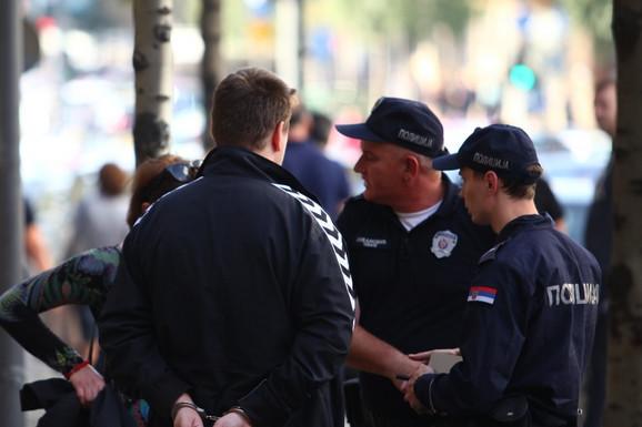 BEOGRAĐANI IZGUBILI ŽIVCE U samo sat-dva od početka radikalizovanih protesta SERIJA INCIDENATA NA BEOGRADSKIM ULICAMA