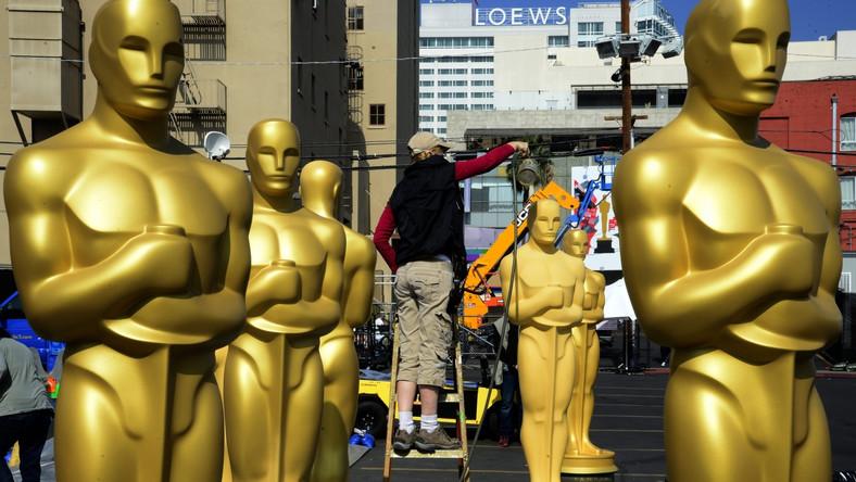 W Los Angeles przygotowania idą pełną parą, w końcu Oscary to najbardziej prestiżowe i pożądane nagrody filmowe, a na gali ich wręczenia stawią sięnajwiększe gwiazdy kina i show biznesu