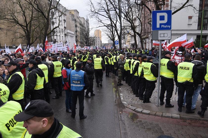 """""""Jarosławie Kaczyński, tu jest Polska!"""""""