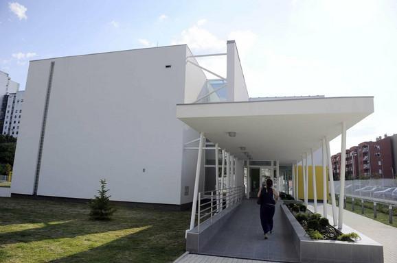 """Mirisi: Iz betona vrtića """"Dragan Laković"""" uzeti su uzorci, a rezultati analiza biće poznati za dve do tri nedelje"""
