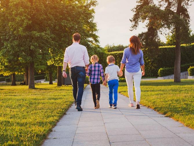 Ja i muž imamo DOBRE PRIHODE i svoj dom, a ipak smo JEDNO od troje dece dali na USVAJANJE! Svi me OSUĐUJU, a to je NAJBOLJA stvar koju smo uradili