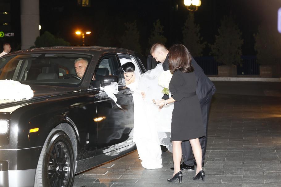 Veljko Ražnatović i Bogdana Rodić stižu u hotel