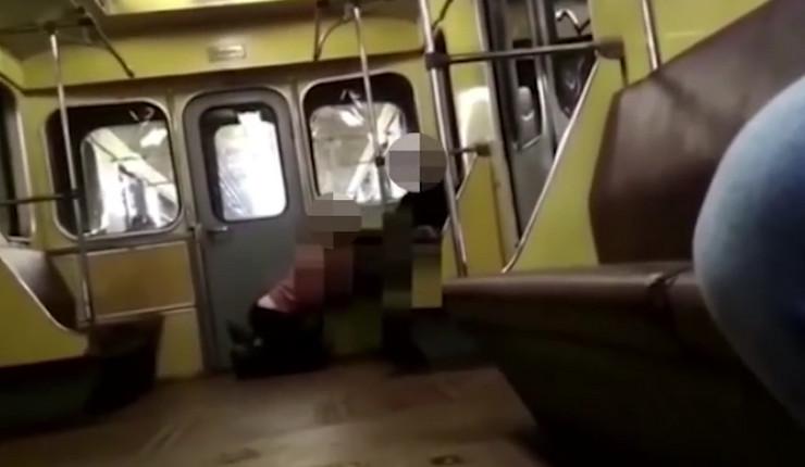 oralni seks u železnici