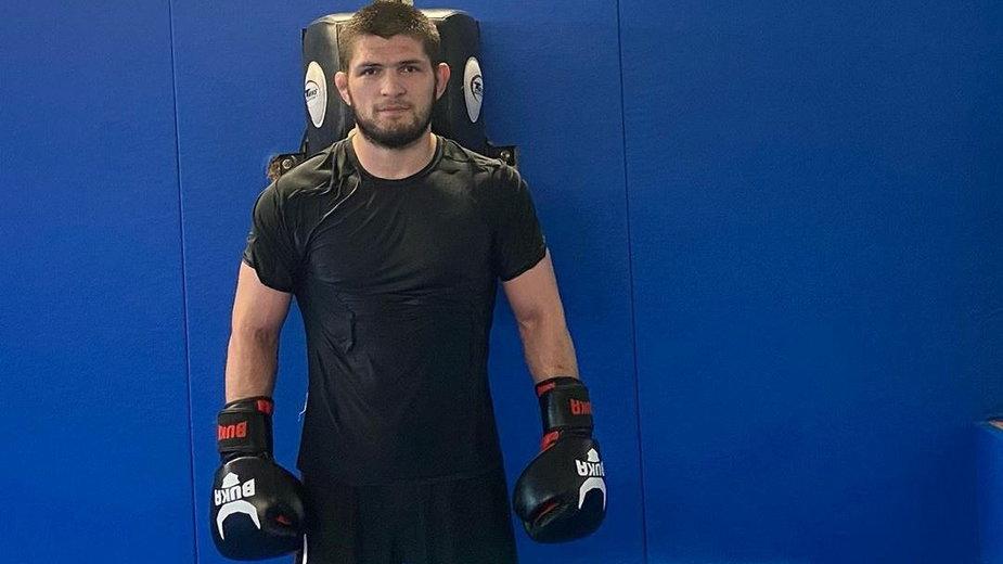 """Szef UFC: """"Ludzie nie zdają sobie sprawy, jak wielką gwiazdą sportu stał się Khabib"""""""