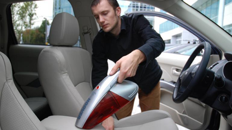Najpopularniejsze małe odkurzacze do samochodu