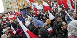 Pod osłoną nocy posłowie PiS złożyli projekt ustawy. A tam prezent dla wszystkich Polaków