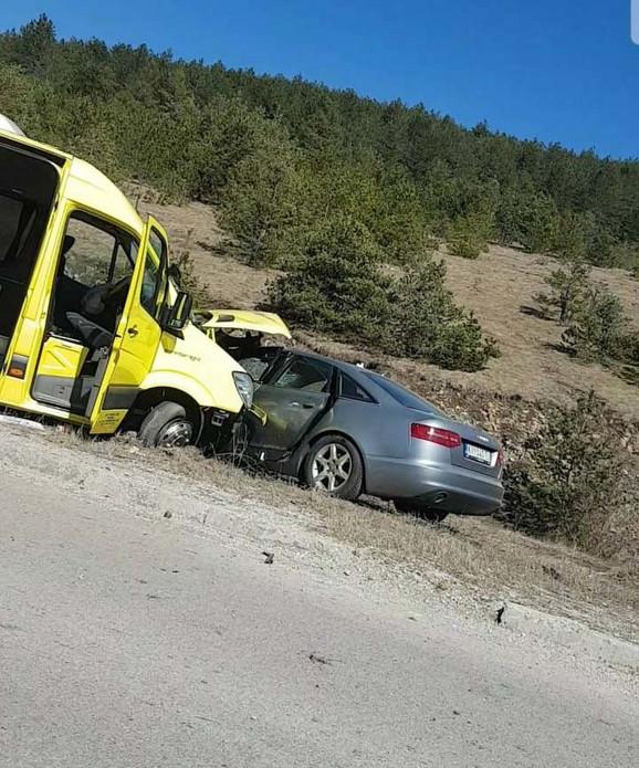 Pročitajte više o: Greške nakon auto udesa.