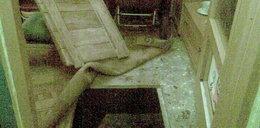 Ukrywał się pod podłogą, bo...