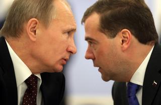 Prezydent Rosji rozpoczął tranzyt władzy. W założeniu: Od Putina do Putina