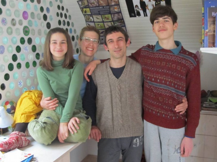 Porodica-iz-Strazilova-002_1067x800-730x547